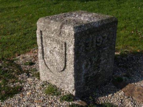 Borne commémorative